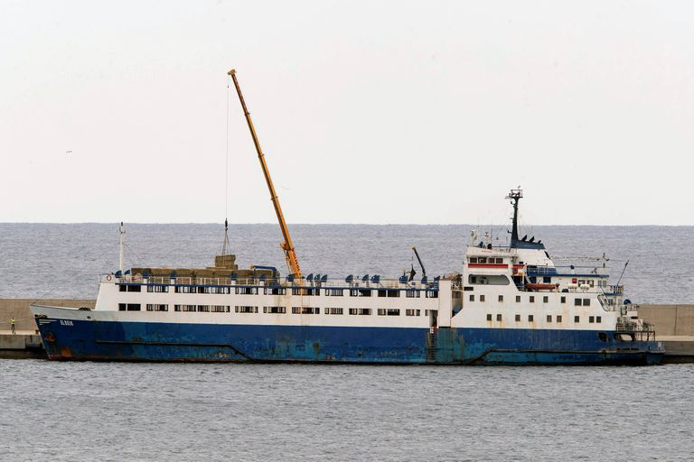 El buque 'Elbeik' cargado en el puerto de Cartagena el viernes pasado.