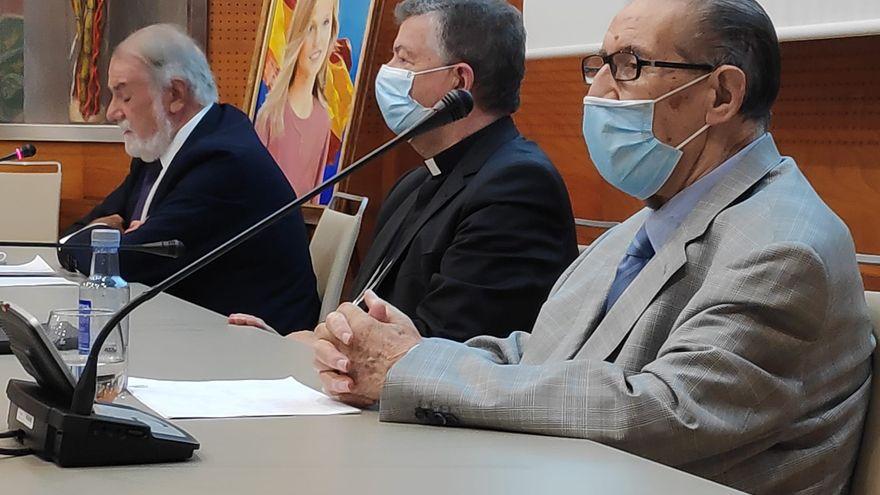 Rouco, Camino, Sanz, Mayor Oreja… Un curso de verano convertido en 'cónclave' ultracatólico contra la eutanasia en Avilés